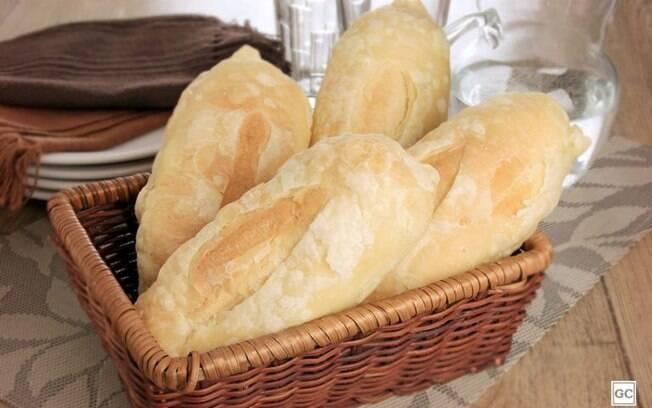 Pão francês folhado caseiro para experimentar já