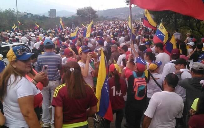Oposição ao presidente da Venezuela, Nicolás Maduro, realiza protestos nacionais