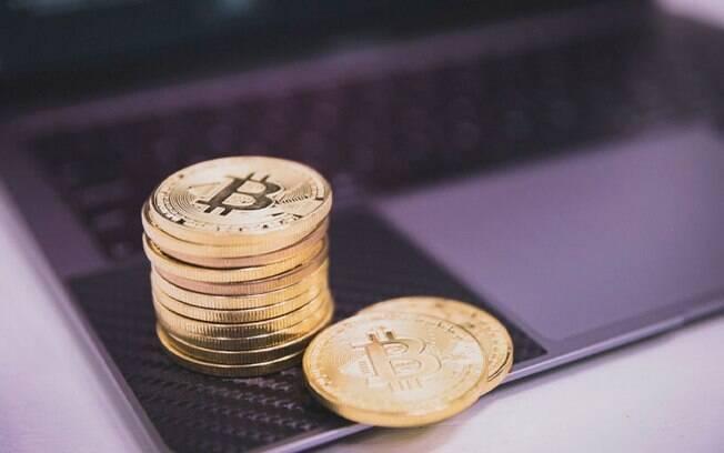 Bitcoin rompe nova máxima história aos US$ 63.000
