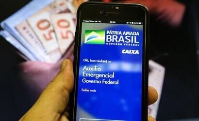 Saques do auxílio emergencial voltam segunda; veja calendário