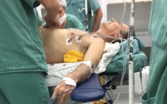 Após ser atingido com uma facada, Bolsonaro perdeu 2,5 litros de sangue, segundo diretora da Santa Casa de Juiz de Fora