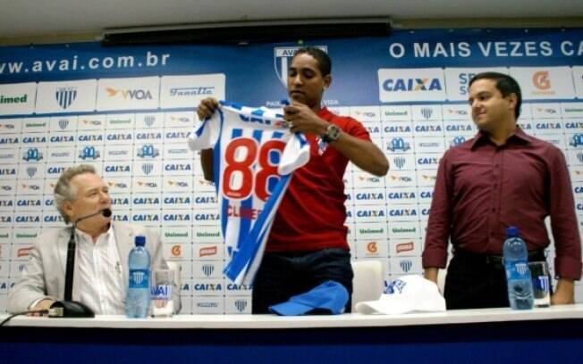 O veterano Cleber Santana foi quem comandou a vitória do Avaí por 3 a 0 na final do Catarinense-12, contra o Figueirense