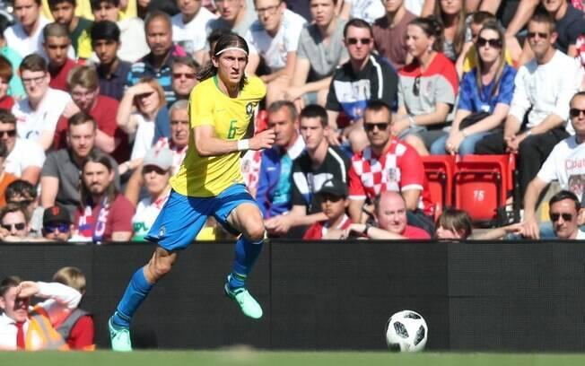 Filipe Luis foi o escolhido para substituir Marcelo, desconvocado por conta de lesão
