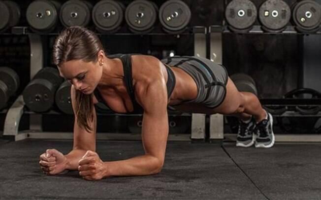 Prancha é um dos movimentos dos abdominais hipopressivos