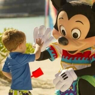 Mickey e sua turma estão em todos os momentos do passeio