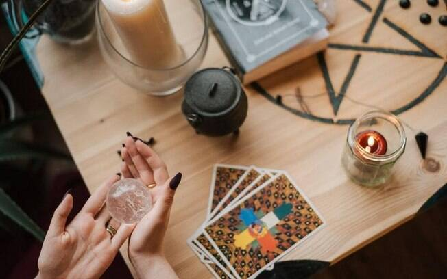 Magia com tarot: use as cartas a seu favor