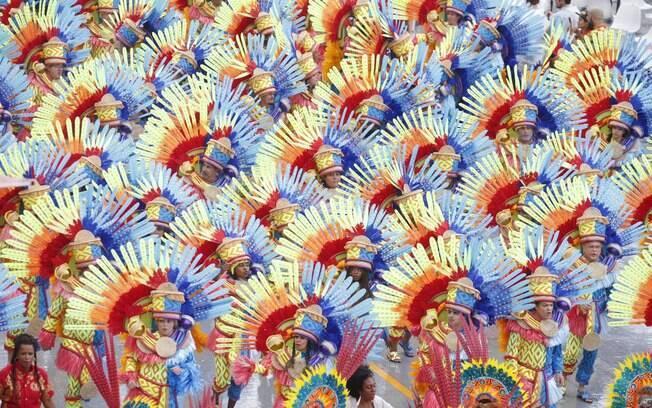Carnaval de São Paulo teve homenagens, problemas técnicos e novidades na avenida