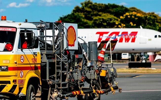 Abastecimento de aviões no aeroporto de Brasília está comprometido devido à falta de combustível