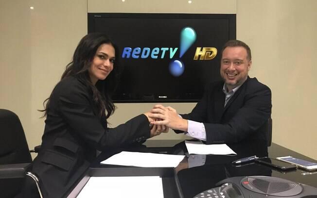 Rosana Jatobá assinou com a Rede TV! em 2017. Esse ano ela assumiria o