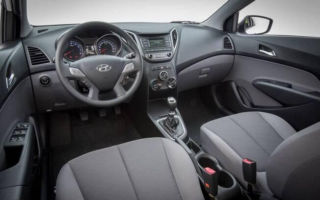 Interior é bem resolvido e tem boa ergonomia, mas está há mais de 5 anos quase sem mudanças significativas