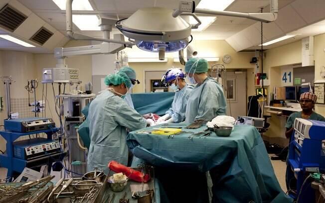 Sueca é primeira mulher do mundo a dar à luz após transplante de útero. Foto: AP