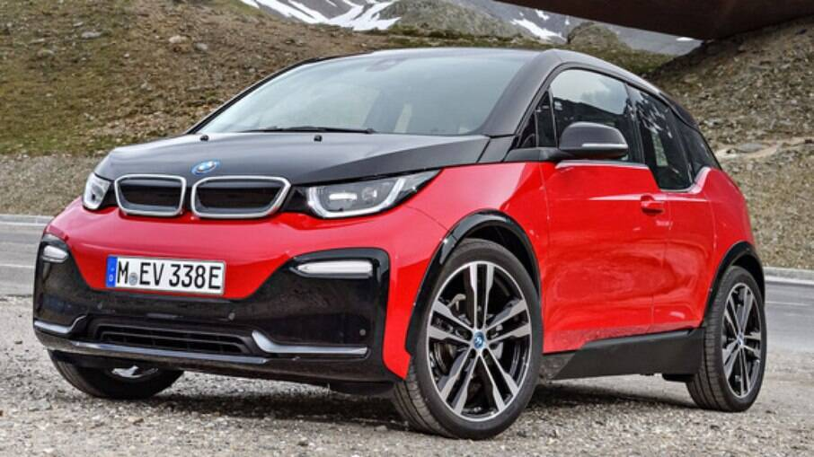 O BMW i3 tem fibra de carbono até na estrutura e é um dos elétricos mais eficientes que o dinheiro pode comprar