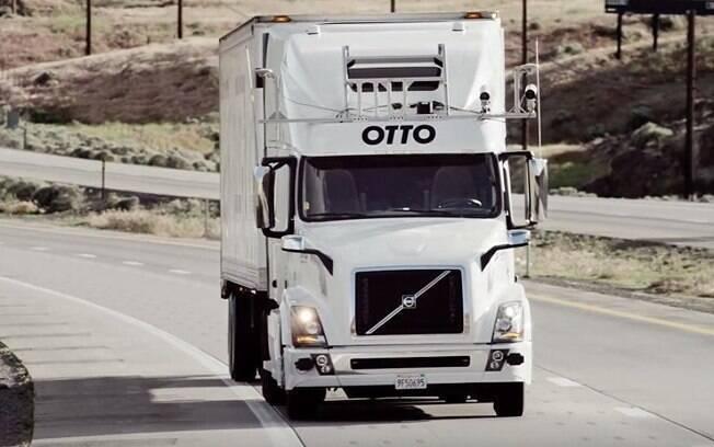 A Uber vem realizando testes com veículos comerciais utilizando a Otto, startup com foco na tecnologia autônoma