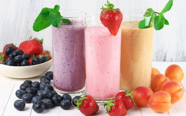 6 vitaminas refrescantes e muito nutritivas para o lanche da noite