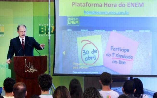 Ministro da Educação Aloizio Mercadante apresentou plataforma de estudos Hora do Enem