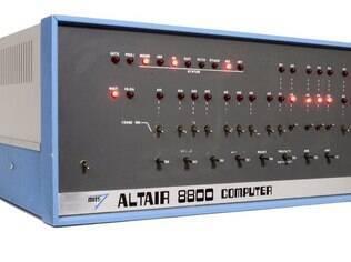 Altair 8800 é considerada por muitos especialistas o marco do início da era dos PCs