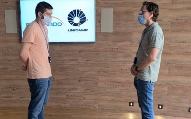 Unicamp cria dispositivo que apita quando distanciamento social não é respeitado