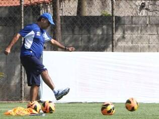 Fato de ser ex-jogador tem contribuído para que Marcelo Oliveira saiba dialogar com o grupo