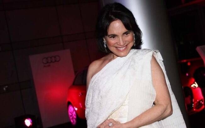 Regina Duarte disse que Frederico se parece bastante com a mãe.