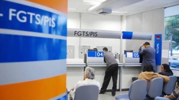 Senado aprova MP que permite saques de contas inativas do FGTS