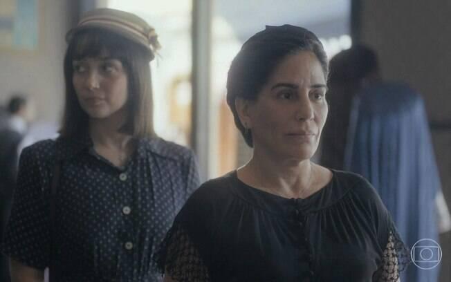 Clotilde (Simone Spoladore) e Lola (Gloria Pires)