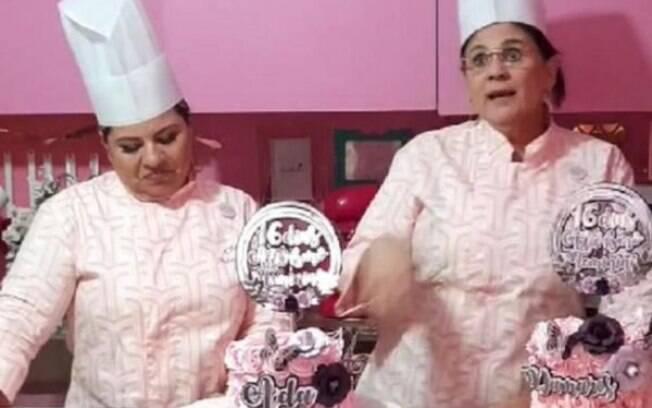 Em uma cozinha toda rosa, a ministra usou as redes sociais para fazer uma live confeitando um bolo