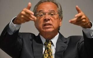Após desistência, CCJ adia reunião para tentar presença obrigatória de Guedes