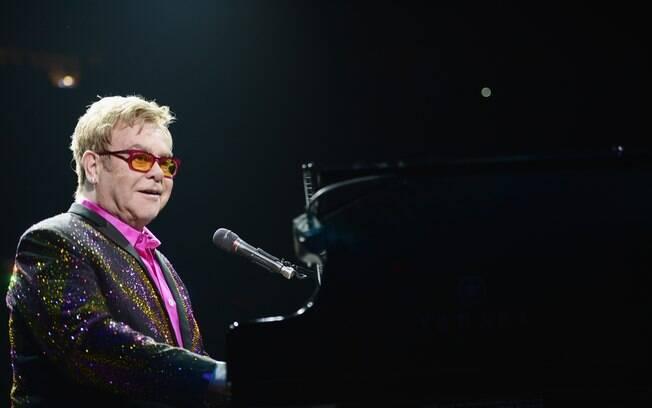 Elton John em apresentação em Nova York, na última quinta-feira (04)