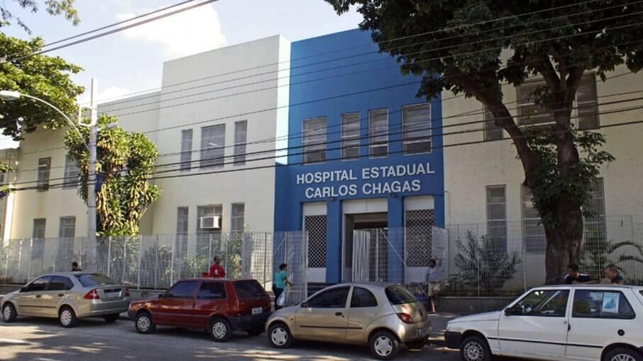 Os baleados foram socorridos para o Hospital Estadual Carlos Chagas