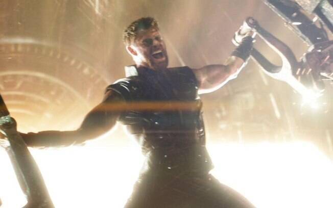 Cenas de super-heróis em 2018! Thor forjando a sua nova armadura para lutar contra Thanos