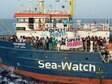 Navio de resgate com 42 imigrantes a bordo fura bloqueio na Itália