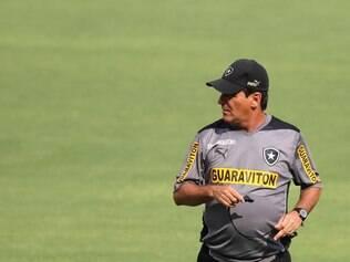 Eduardo Hungaro terá a difícil missão de reconstruir o Botafogo sem Seedorf