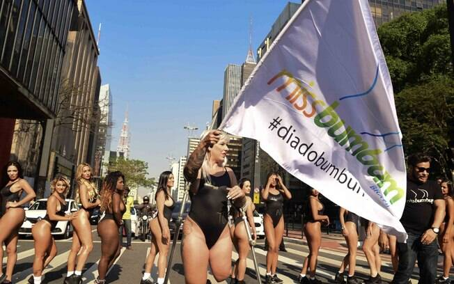 Tradicional desfile das candidatas ao Miss Bumbum ocorreu na última segunda-feira (07). Foto: Leo Franco | MBB7