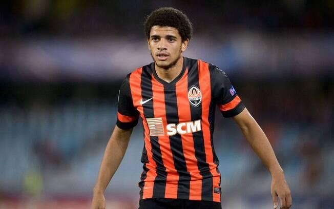 Taison pretende retornar para o futebol brasileiro