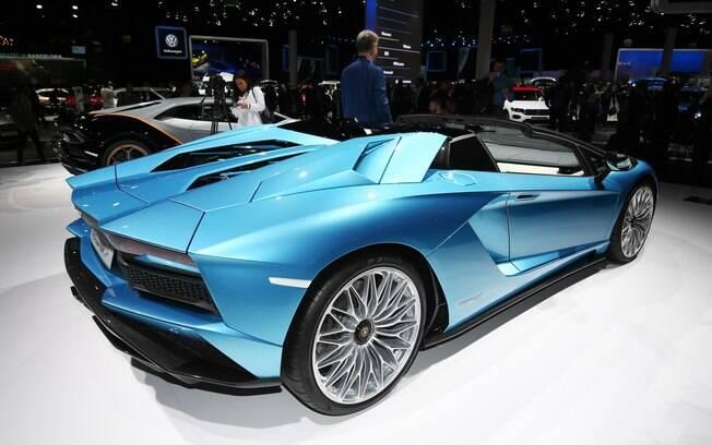 Parte aerodinâmica foi minuciosamente projetada para garantir sustentação em altas velocidades