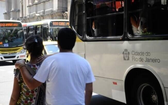 Aumento na passagem de ônibus foi de 13,3%, índice mais alto que a inflação do ano passado