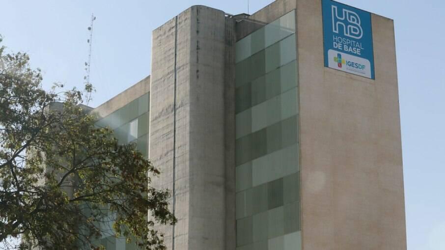 Mulher está internada no Hospital de Base, em Brasília