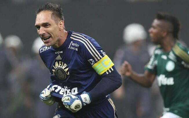 Fernando Prass comemora classificação do Palmeiras à final do Paulistão