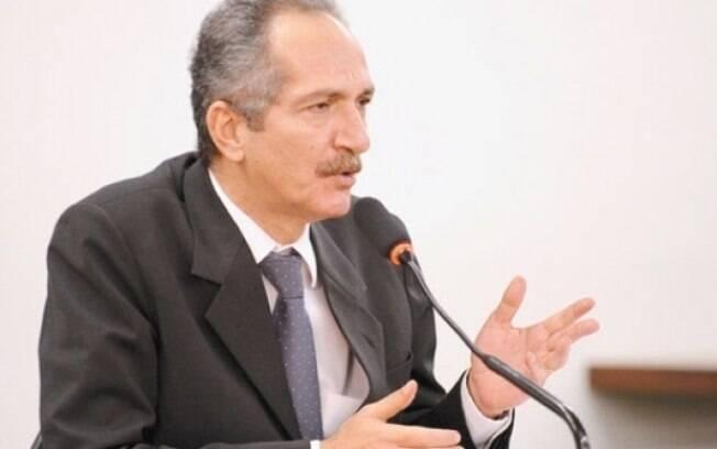 Aldo Rebelo sai do Ministério dos Esportes para assumir a pasta de Ciência,Tecnologia e Inovação