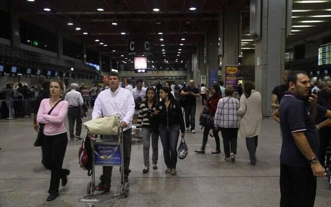 Fazer filas meia hora antes do horário de embarque também entra na lista de irritações de viagem