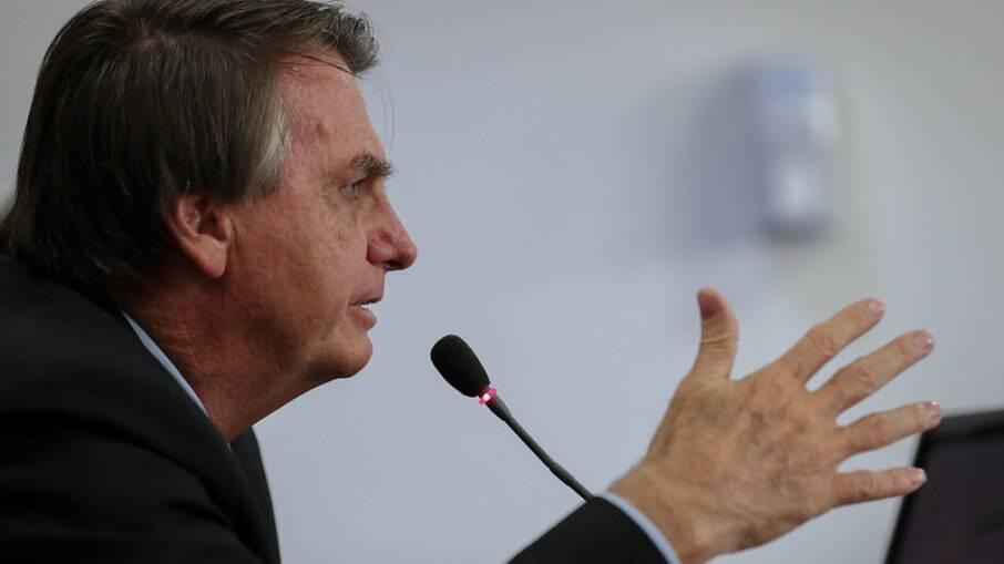 Presidente voltou a criticas as medidas restritivas impostas por governadores e prefeitos por conta da pandemia
