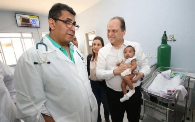 Ministro da Saúde, Ricardo barros visita hospitais em Janaúba e Montes Claros