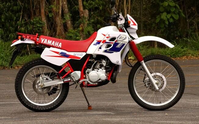 Nem parece que mais de 20 anos se passaram, a Yamaha DT 200R ainda é bela