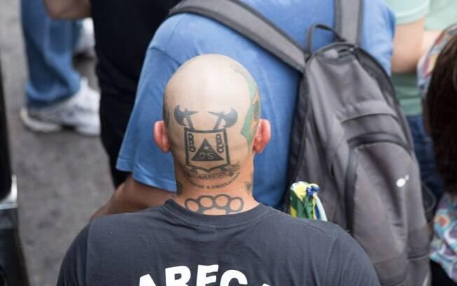 Pelo menos 15 integrantes do grupo Carecas do Subúrbio foram presos na manifestação de São Paulo porque carregavam fogos e soco inglês (15/03/2015). Foto: Paulo Lopes/Futura Press