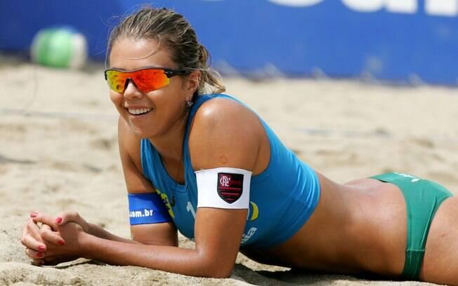 Depois das quadras, Leila jogou no vôlei de praia até 2008
