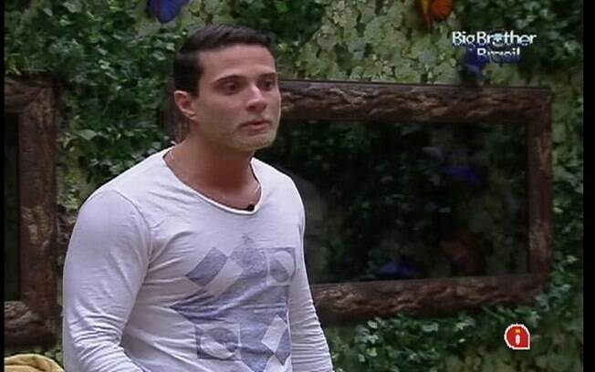 Ronaldo conversa com Renata, Yuri e Monique no Quarto Floresta