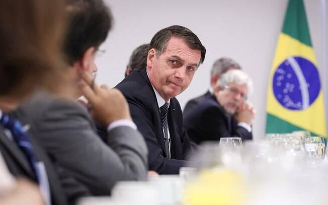 Jair Bolsonaro se reuniu com jornalistas nesta quinta-feira (25)