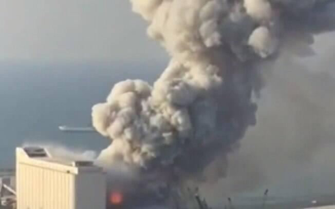 Explosão na região portuária de Beirute, no Líbano, deixou centenas de feridos.