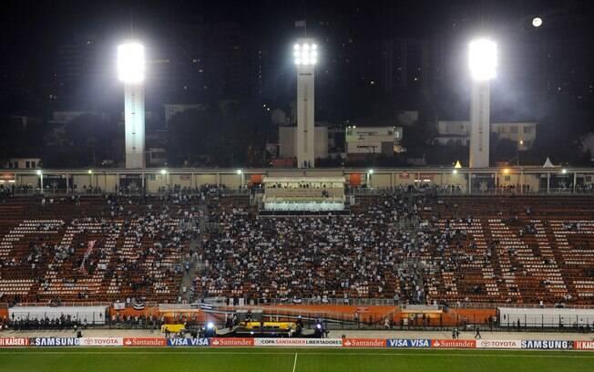 Torcida do Corinthians lota o Pacaembu nesta  quarta