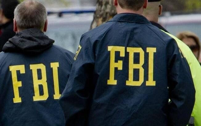Duas pessoas ficaram feridas no domingo (18) à noite em Austin, no Texas, após a explosão de uma pacote-bomba
